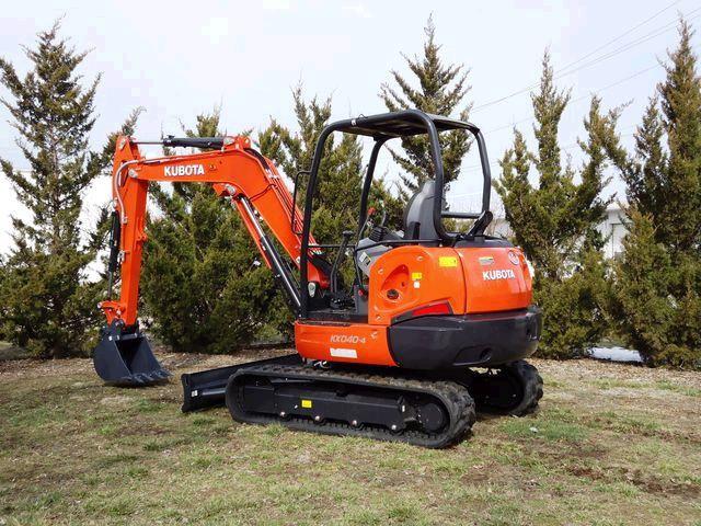 earthmoving-excavator-9500lb-with-thumb